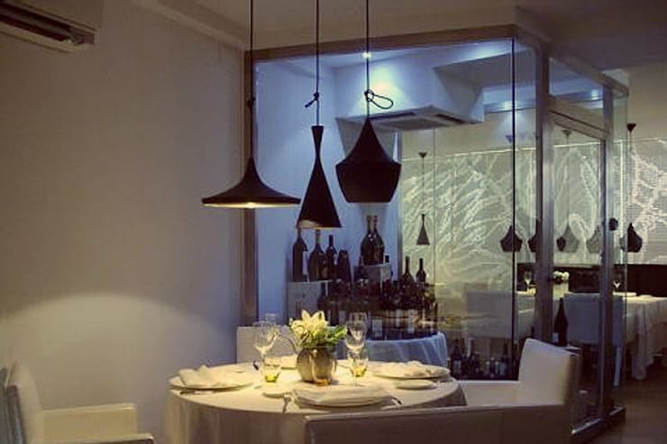 COLABORACIÓN PROYECTO RESTAURANTE NESS: Locales gastronómicos de estilo  de Sheila Cuello design