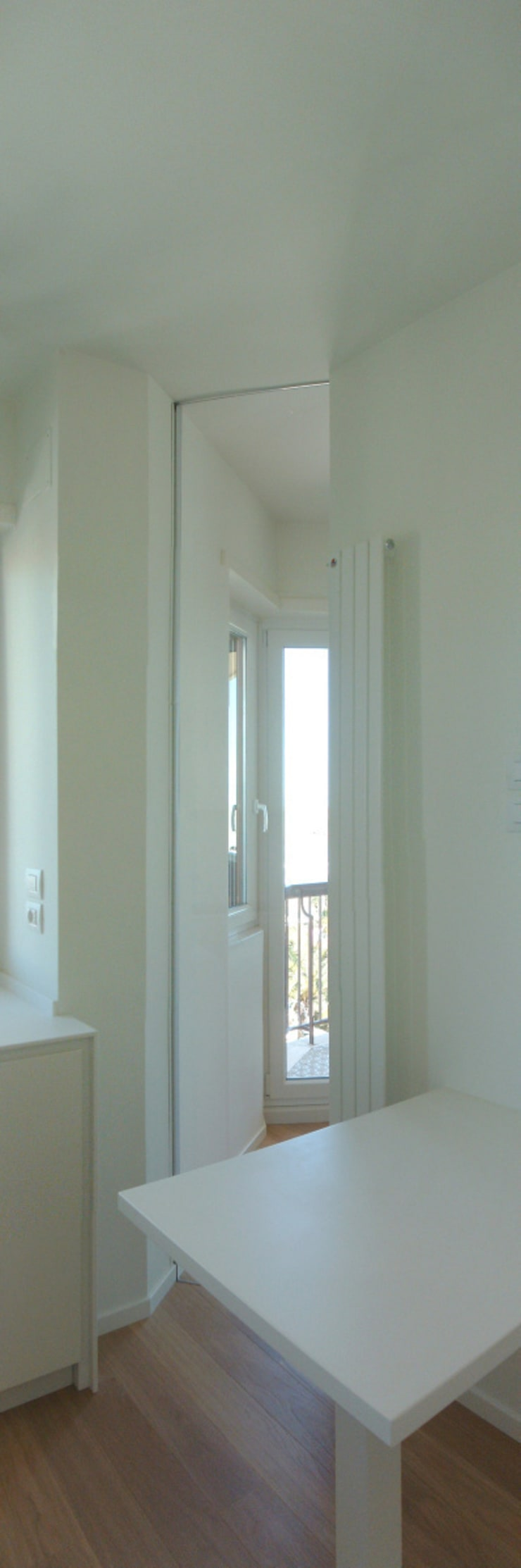 Appartamento a Porto San GIorgio: Cucina in stile  di coolstoodio associati,