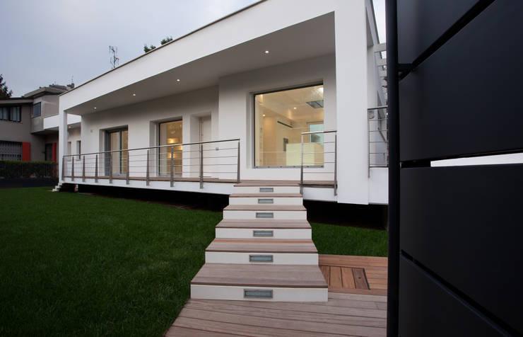 Villa Biancocubo:  in stile  di Marg Studio, Minimalista