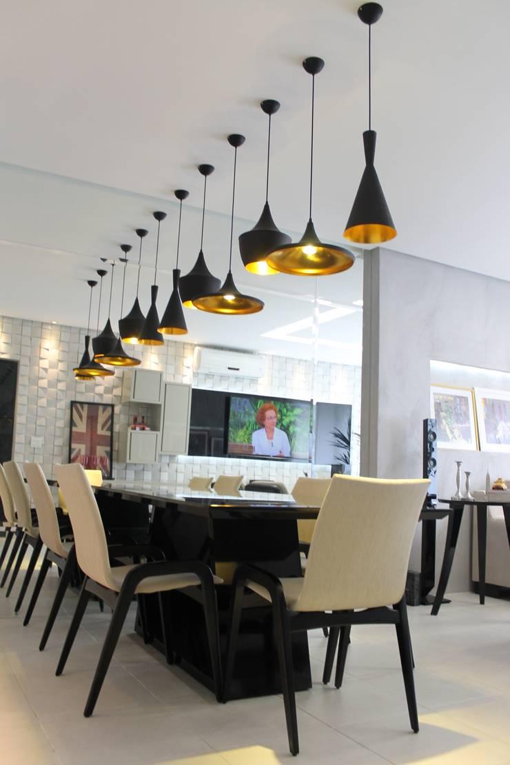 Sala de Estar e Jantar: Salas de jantar  por Lorena Loureiro  Arquitetura e Interiores