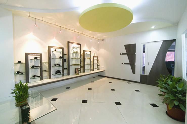 Smp ele. & eng.:   by kavita bhaleraio design studio