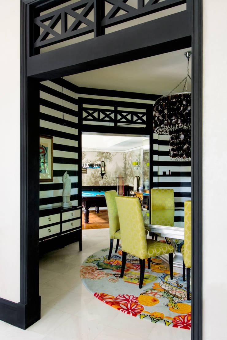 International Prop Award Winner-Best Interior Design Singapore 2013:  Dining room by Design Intervention