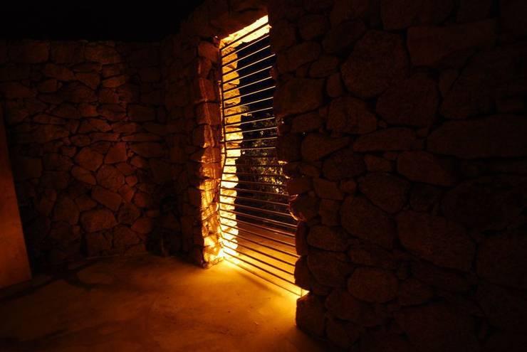 Villa Privata Costa Smeralda: Case in stile  di Cannata&Partners Lighting Design,