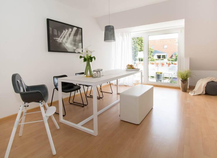 Esszimmer: modern  von Luna Homestaging,Modern