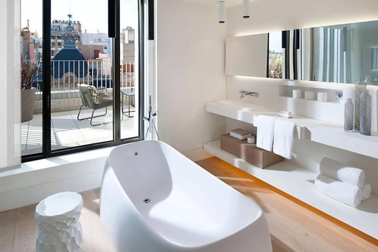 Hotel Mandarin Oriental -Barcelona: Baños de estilo  de TONO BAGNO | Pasión por tu baño