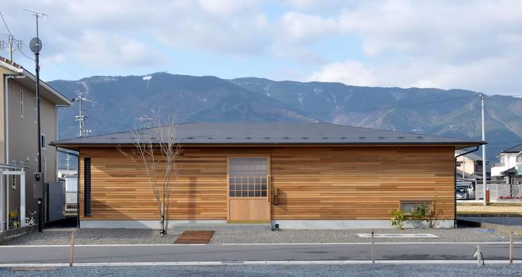 外観1: ツジデザイン一級建築士事務所が手掛けた家です。