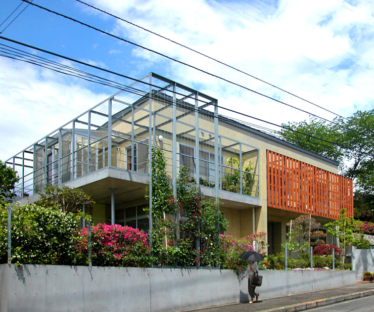 花壇の家 モダンな 家 の ユミラ建築設計室 モダン