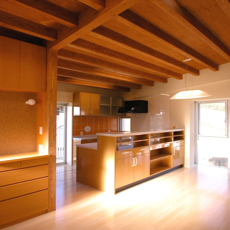 Projekty,  Jadalnia zaprojektowane przez ユミラ建築設計室