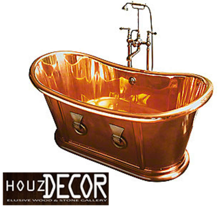 HOUZDECOR - ELUSIVE COPPER BATH TUB:  Bathroom by HOUZDECOR