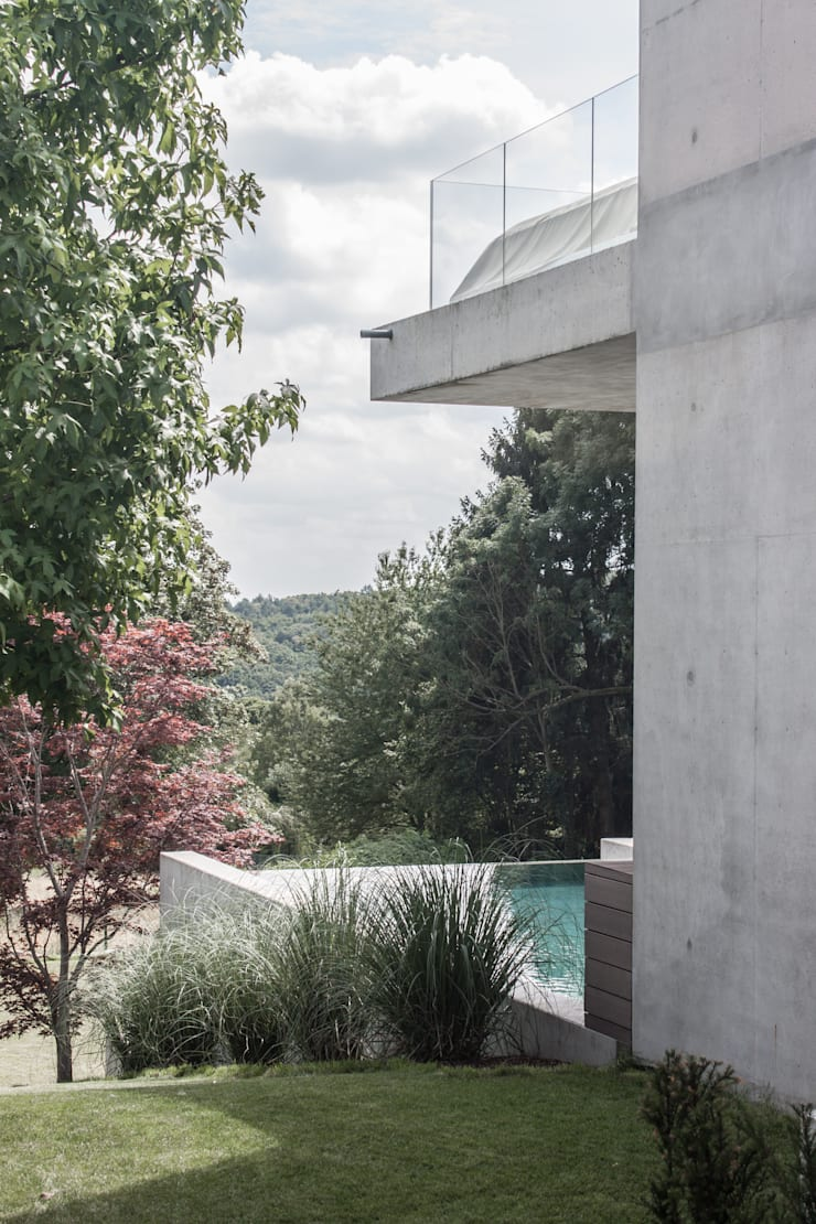 Pool mit Aussicht Moderne Häuser von herzog,kassel+partner Modern