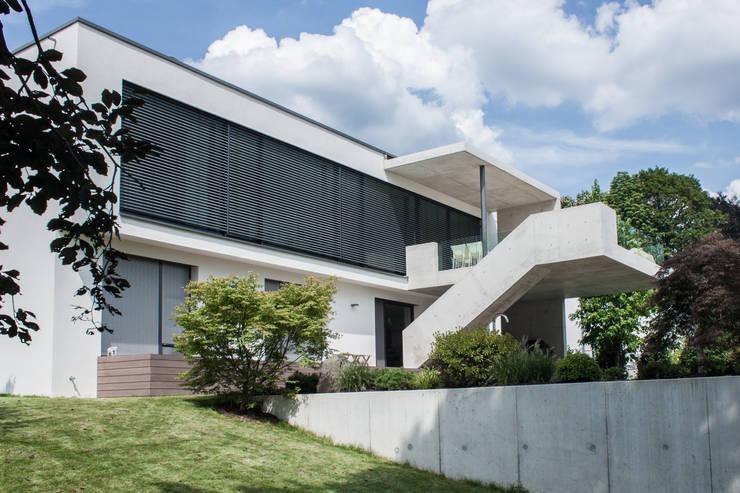 Gartenansicht 2 Moderne Häuser von herzog,kassel+partner Modern
