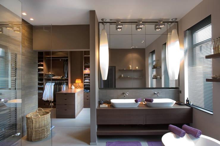 House C: Maisons de style  par Jean-François ROGER FRANCE
