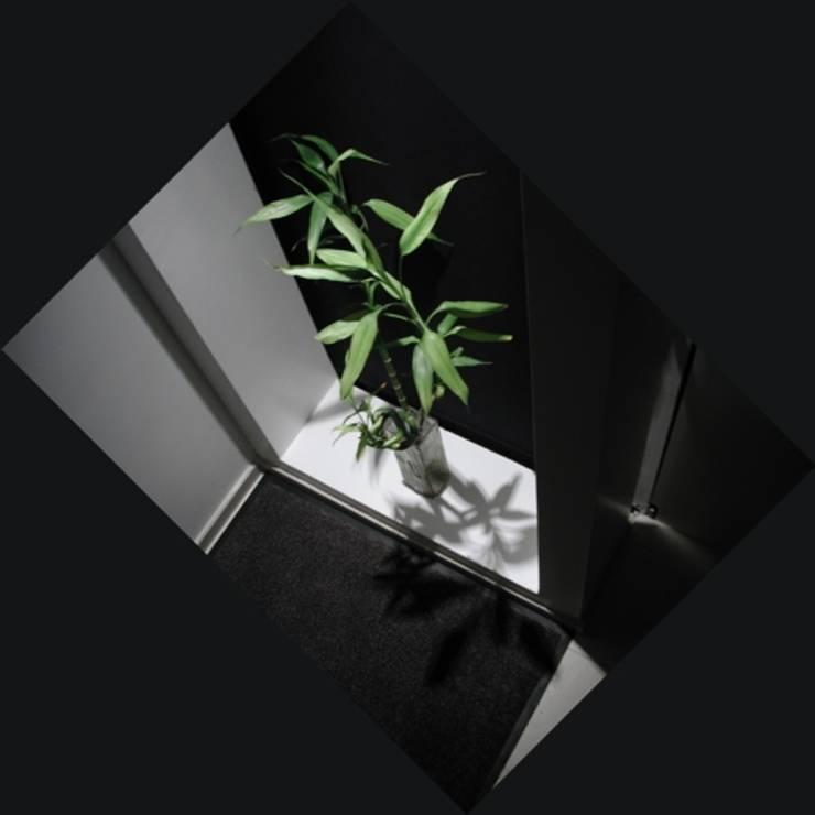 Corridor & hallway by ecoArchitettare, Minimalist