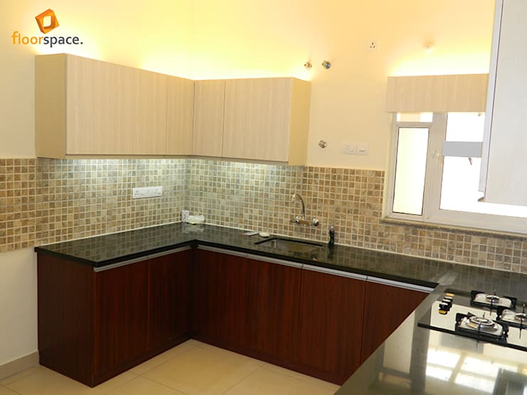 Project Tranquility - Kitchen:   by Floorspace
