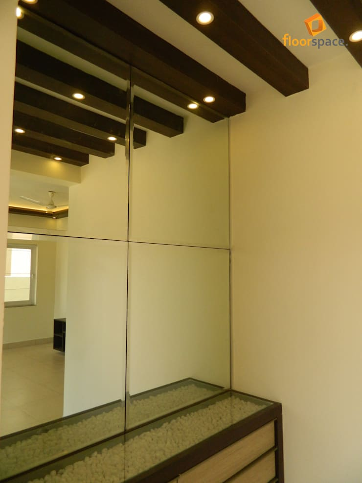 Project Tranquility - Entrance Foyer:  Corridor, hallway & stairs by Floorspace
