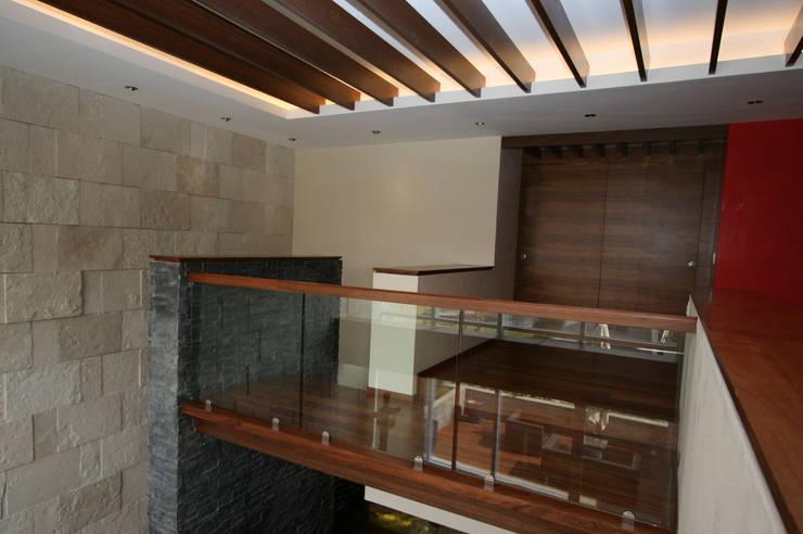 DEPARTAMENTO SANTA FE:  de estilo  por Capitel Arquitectura