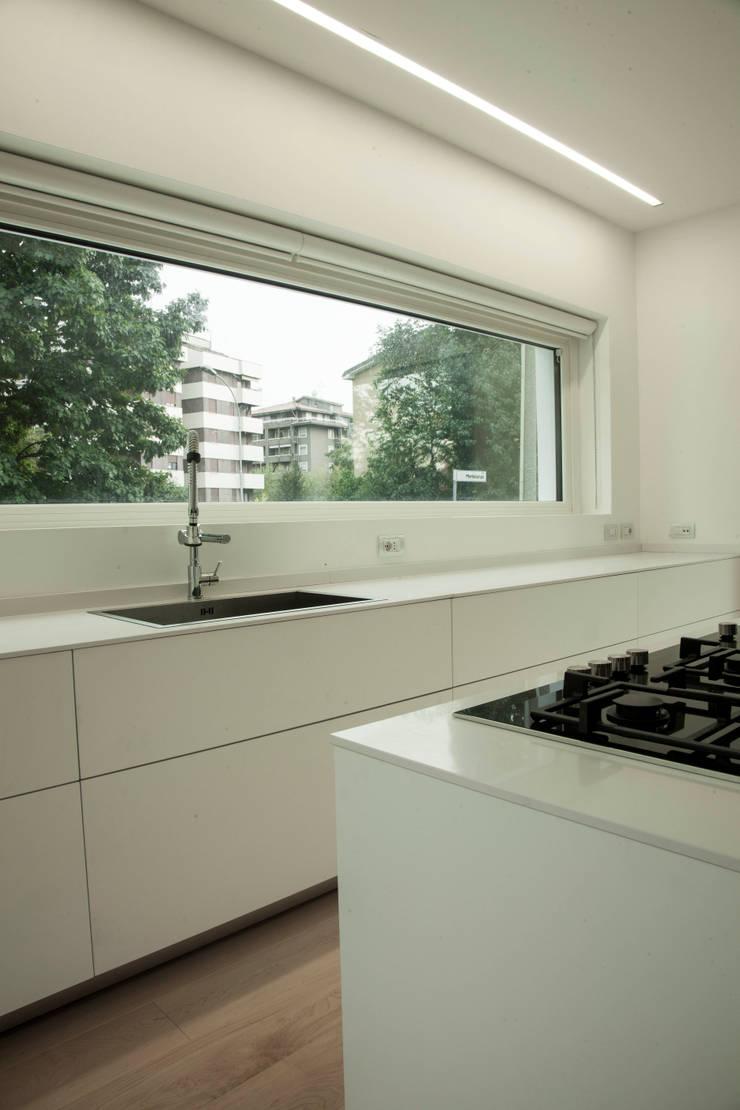 cucina:  in stile  di Marg Studio, Minimalista