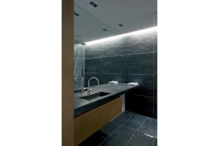 AIBS: Salle de bains de style  par AABE