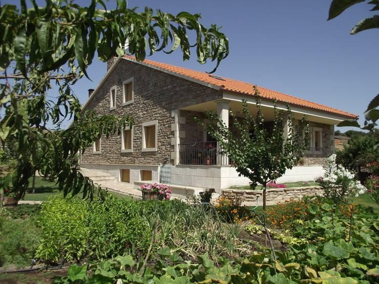 Casas de estilo  por Meana Arquitectos