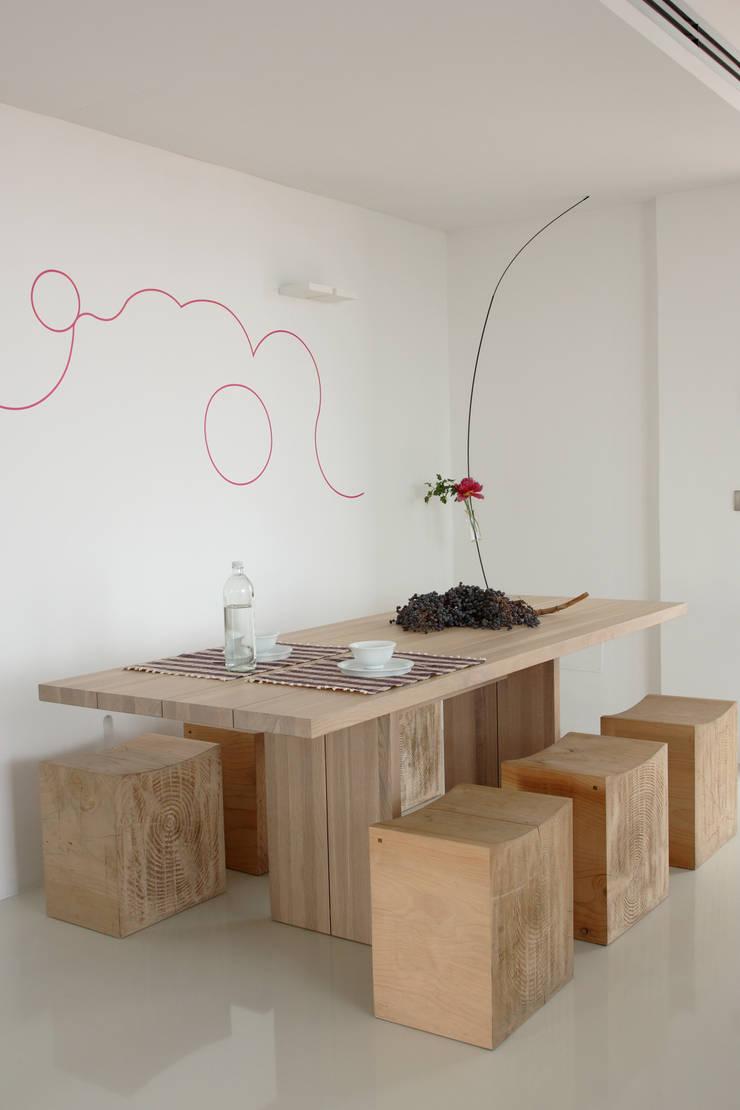 Casa di Eva e Ophelia: Case in stile  di Architetto Renato Arrigo