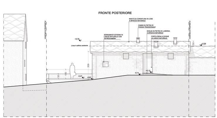 Prospetto NORD - facciata su interna principale:  in stile  di AAT Studio, Minimalista