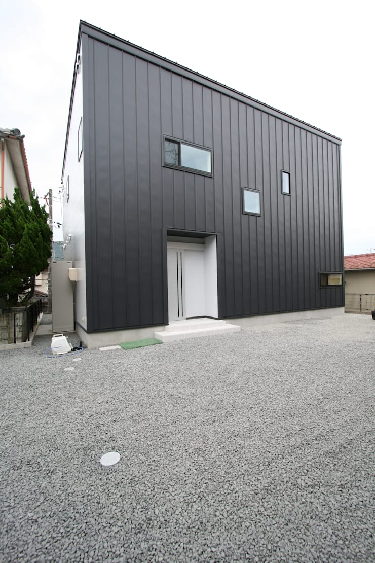 上温品の家: CAF垂井俊郎建築設計事務所が手掛けた家です。,モダン