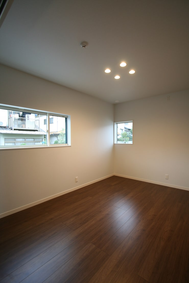 上温品の家: CAF垂井俊郎建築設計事務所が手掛けた子供部屋です。,モダン
