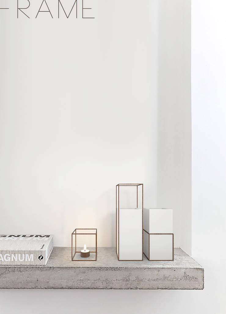 Frame:  in stile  di Fabio Romenici Design