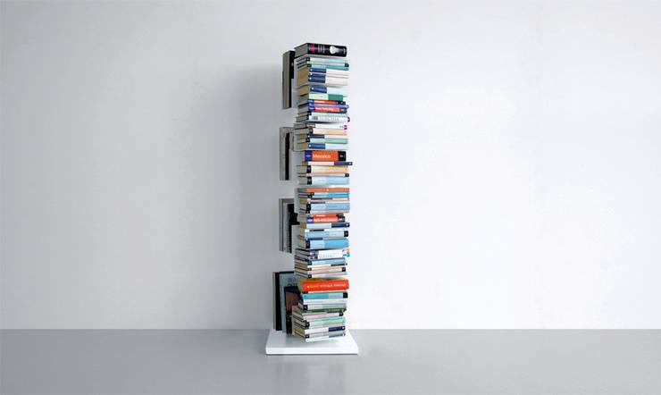 Extendo Colonne Porta Libri: Soggiorno in stile in stile Moderno di Extendo