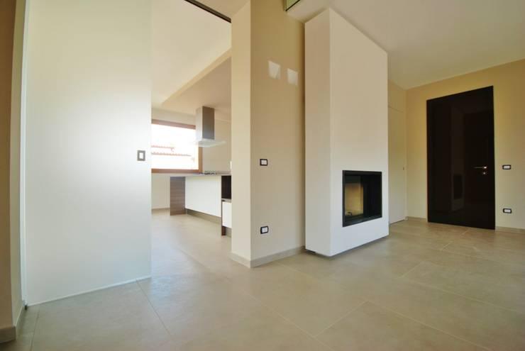 Moderne Häuser von Viviana Pitrolo architetto Modern