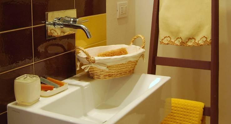 Residenze di charme nella campagna iblea: Hotel in stile  di Viviana Pitrolo architetto