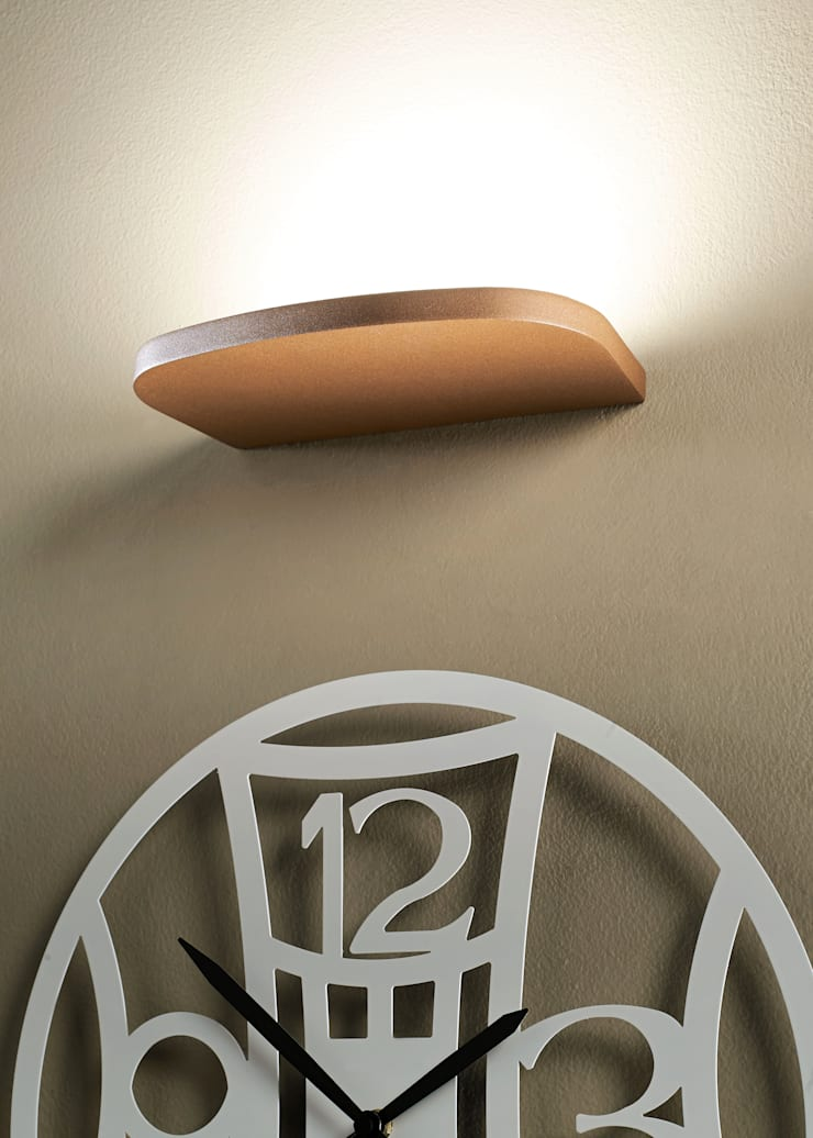 OledA per Sforzin Illuminazione: Casa in stile  di by Code