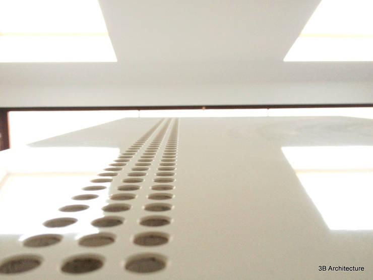Laque et brillance: Chambre de style de style Moderne par 3B Architecture