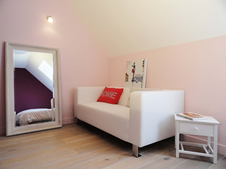 Restructuration d'un étage: Chambre de style  par agence ine