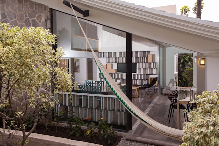 Remodelacion Casa Cuernavaca: Terrazas de estilo  por Taller David Dana Arquitectura
