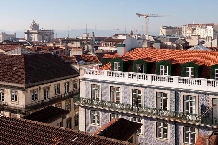 FANQUEIROS: Casas  por José Adrião Arquitectos