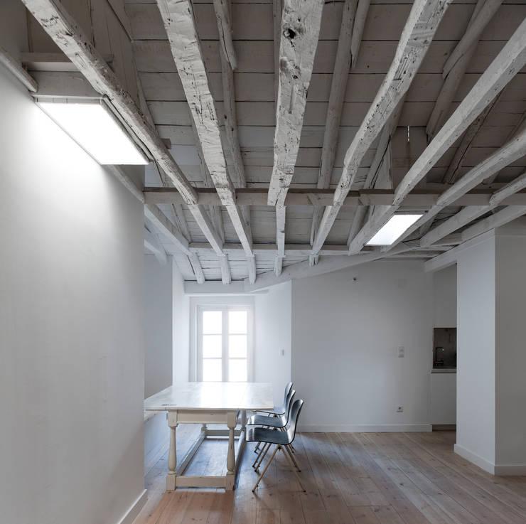 classic Study/office by José Adrião Arquitectos