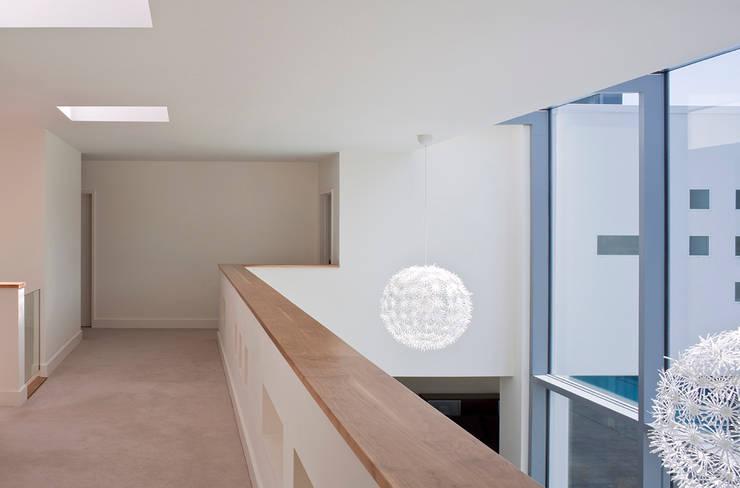 Le Foin Bas:  Corridor & hallway by JAMIE FALLA ARCHITECTURE