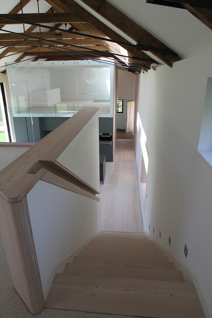 M House:  Corridor & hallway by JAMIE FALLA ARCHITECTURE