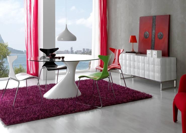 Mesa de Comedor Moderna Leire: Comedor de estilo  de Ámbar Muebles