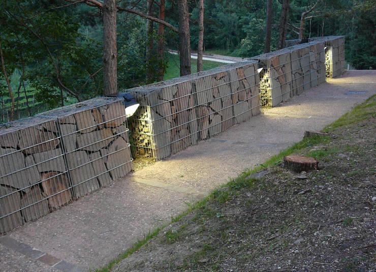 Recupero e riuso del Castello di Segonzano (con JTdF architettura):  in stile  di una2 architetti associati