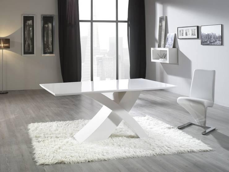 Mesa de Diseño Marsella II: Comedor de estilo  de Ámbar Muebles