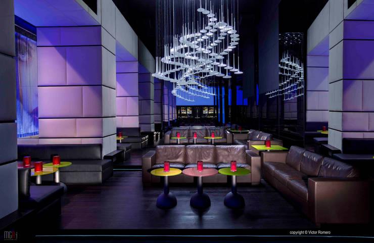 Madison Launge Bar : Hotel in stile  di MGA LAB