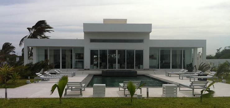PRIVATE LUXURY VILLA in MAMBRUI:  in stile  di ANDREA PONTOGLIO ARCHITECT, Minimalista
