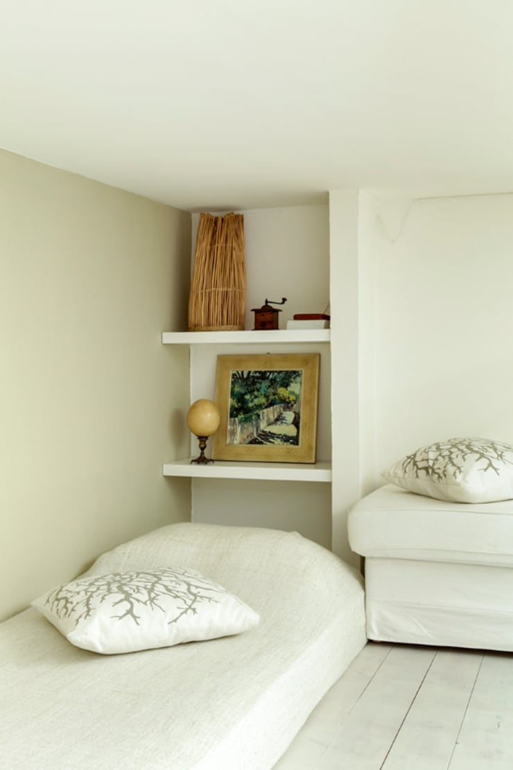 Little Cottage – casa di charme per vacanze e soggiorni brevi a Bologna: Camera da letto in stile  di Tommaso Bettini Architetto,