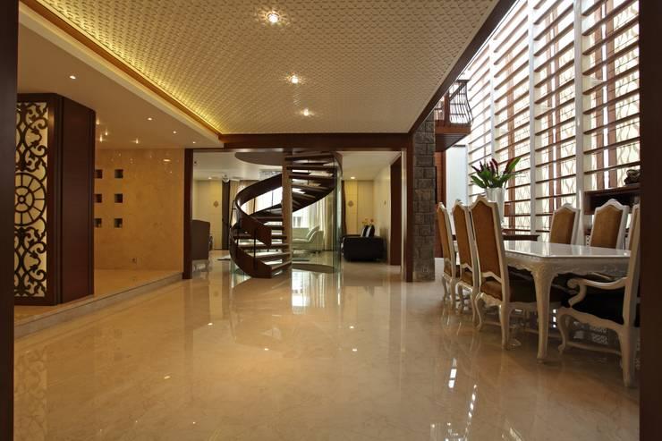 Padmanabhan Residence:   by Balan & Nambisan Architects
