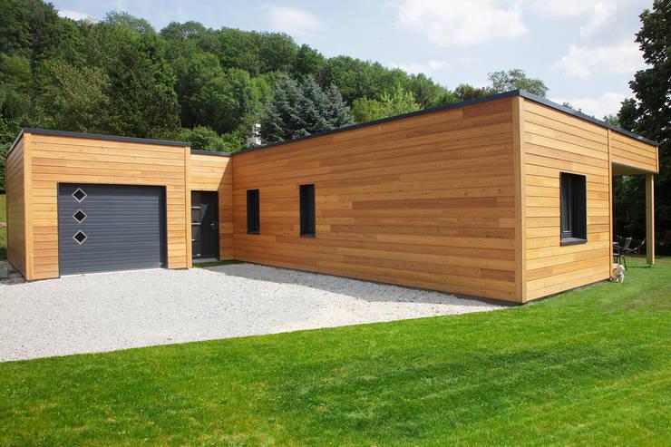 Hogar de estilo  por Myotte-Duquet Habitat