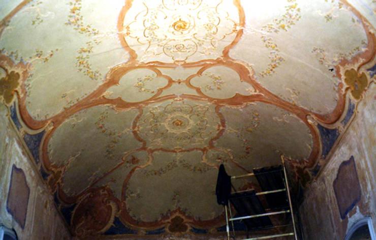 Polo Museale di Villa Serra – Parchi di Nervi: Musei in stile  di INDUSTRIA DELL'ARTE