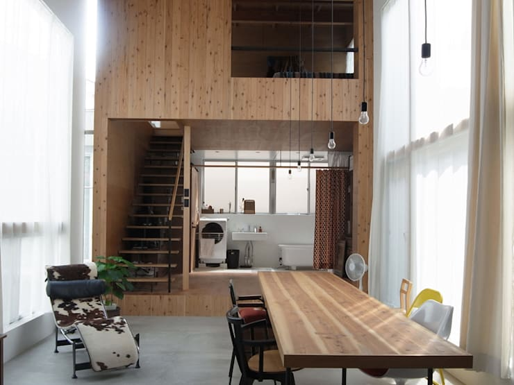 Living room by 鈴木淳史建築設計事務所, Modern Wood Wood effect