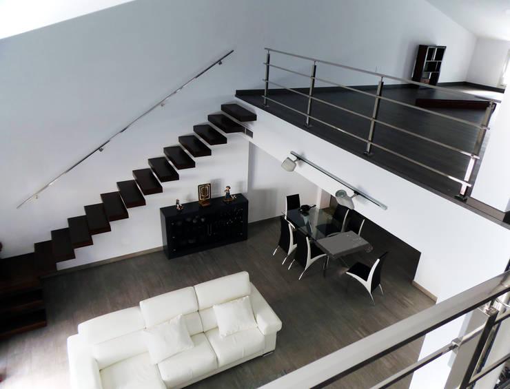 "Casa ""J"": Casas de estilo  de Carquero Arquitectura"